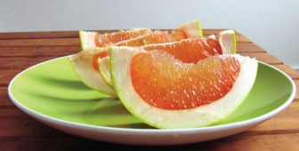 Can Dogs Eat Pomelo?